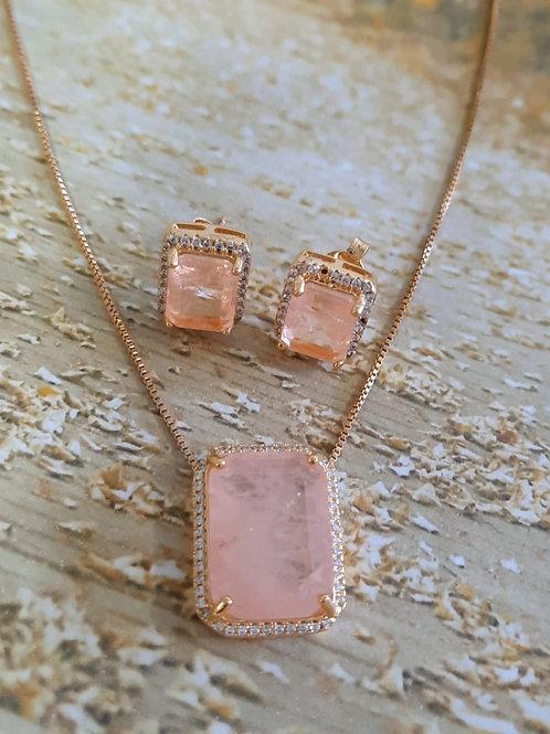 Conjunto Luxo Pedra Rosa Leitosa com Zircônias Cristais