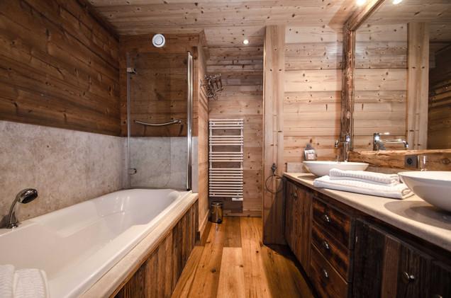 intérieur salle de bain chalet Chamonix- photographe immobilier