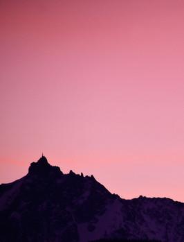 Sunrise sur l'Aiguille du midi - Chamonix- Haute Savoie - Alpes