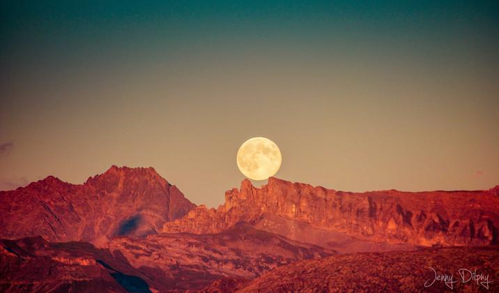 Lever de lune depuis le col des Saisies
