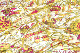 Платок со сказочными цветами