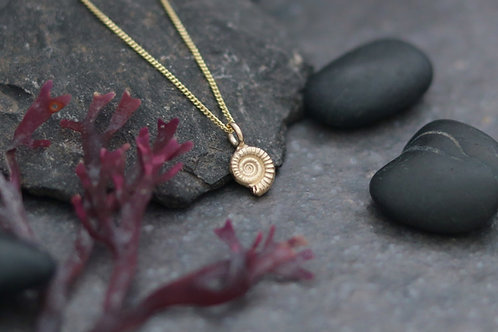9ct Gold Ammonite Fossil Pendant - Tiny