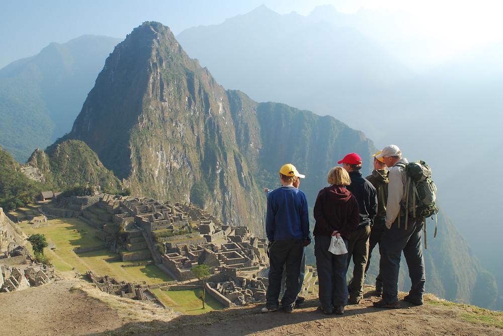 montanha-pessoas-observando
