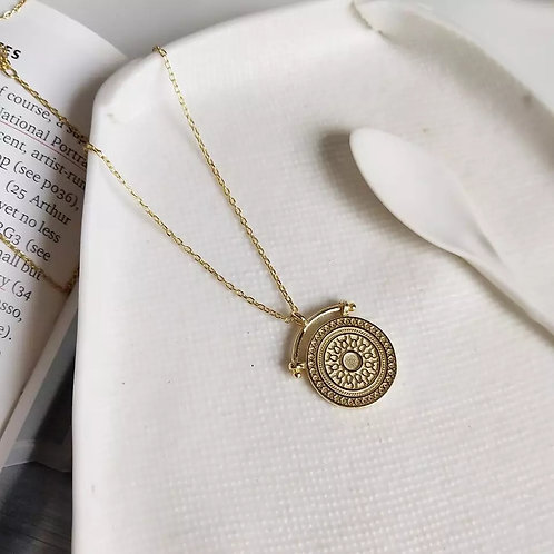 Solaris Pendant Necklace - Gold