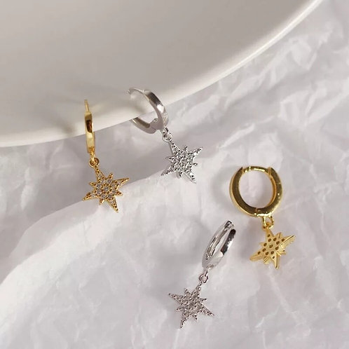 Huggie Earrings with North Star charm - Gold or silver