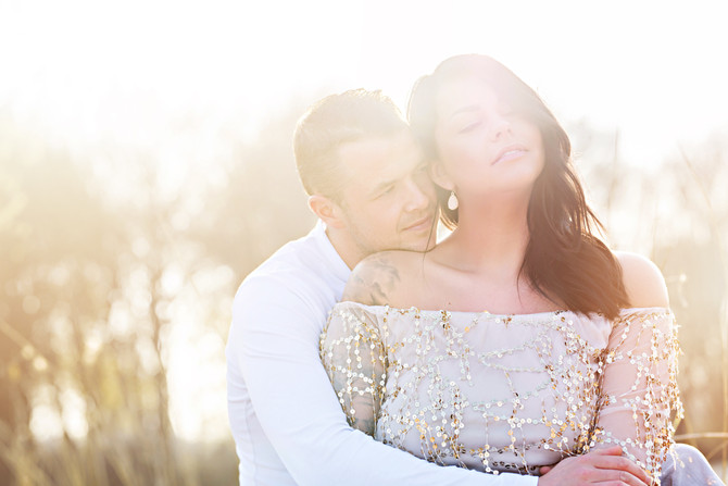 Golden hour loveshoot in Monnickendam