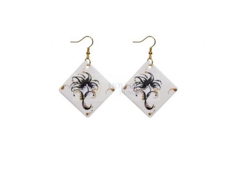 Earring pair