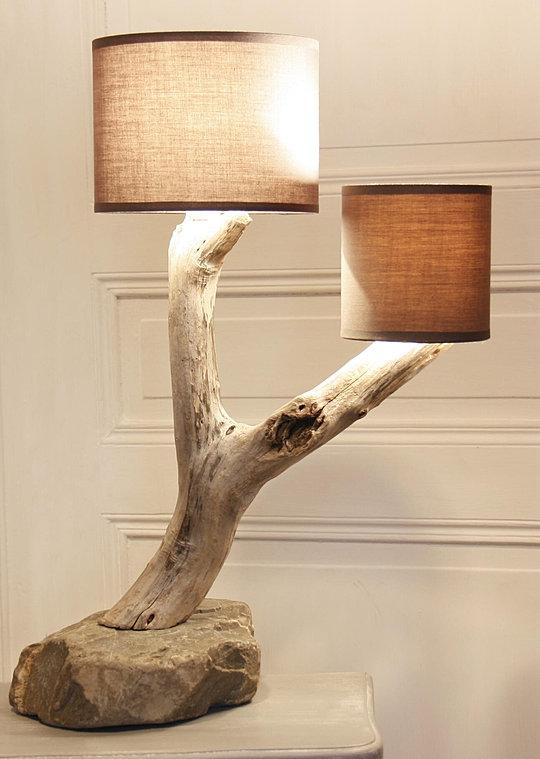 lampes en bois flott artisanales et naturelles. Black Bedroom Furniture Sets. Home Design Ideas