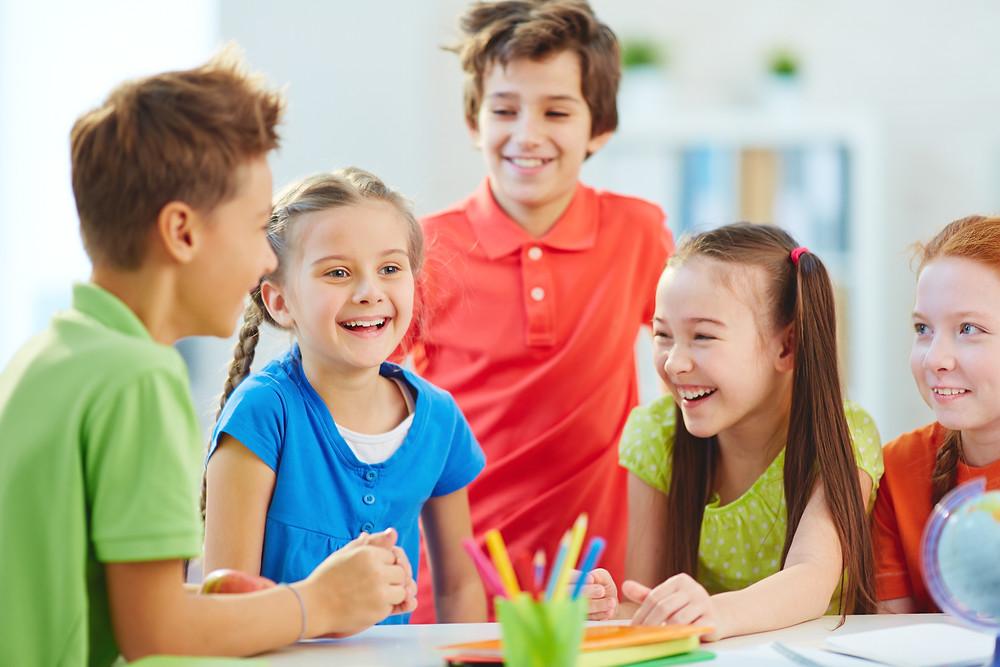 Las escuelas, colegios y universidades comienzan a reportar brotes de pediculosis (presencia de piojos y liendres) en su comunidad educativa y comienzan a establecer algunos filtros para poder mitigar lo que puede convertirse en un problema de ausentismo y bajo rendimiento en sus alumnos.