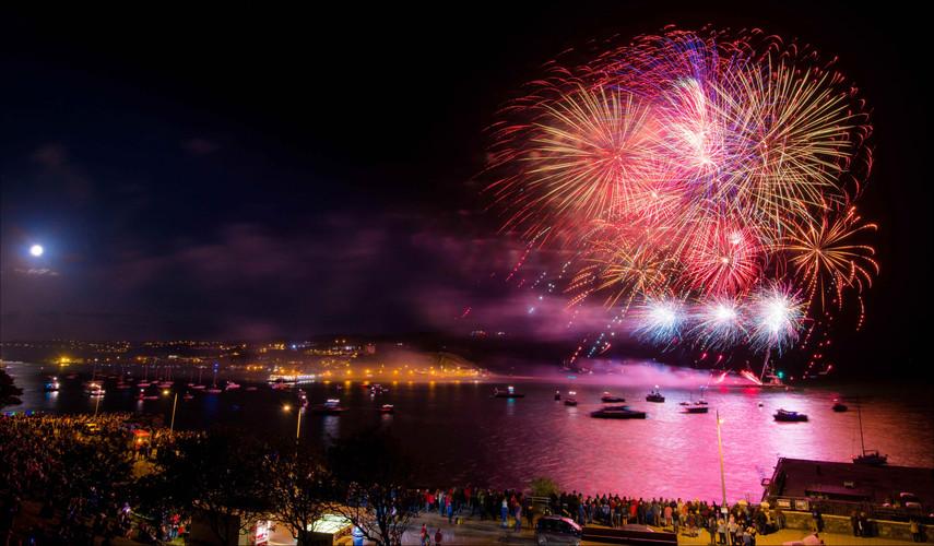 Northern Lights Fireworks-50.jpg