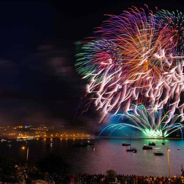 Northern Lights Firework Displays-2.jpg