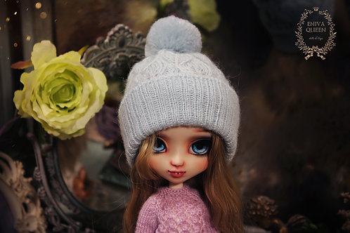 Knitted openwork hat for Pullip, light blue color