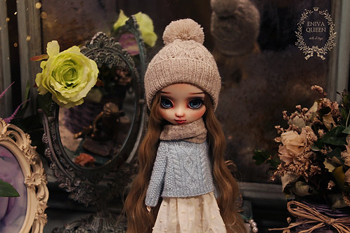 Knitted openwork hat for Pullip, gray color