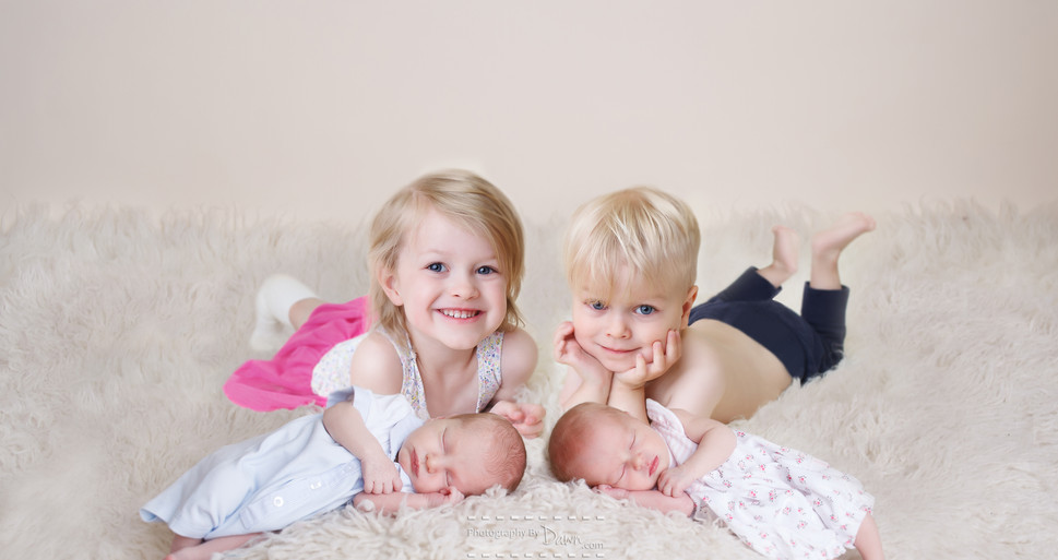 Toronto newborn multiples family photographer