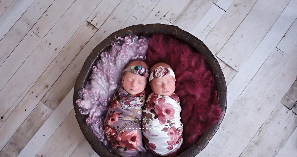 Newborn Twin Photographer Toronto