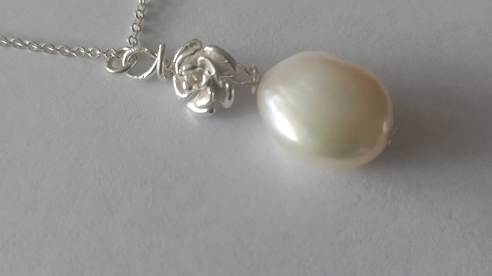 The Pearl Queen Necklace