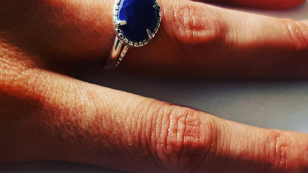 Lapis Lazuli Lovely Blue Queens ring