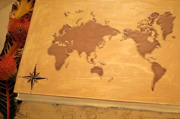 ウェディグケーキは、世界地図をデザインしたオリジナル