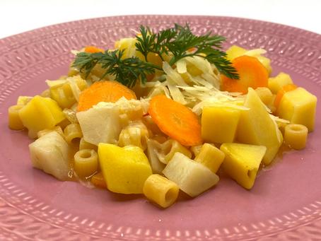 Minestrone con topinambur, patate, pomodoro, cipolla e carote.