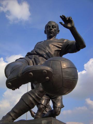 Stan Matthews Statue makes World Top Ten Public Art List