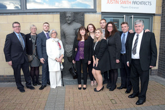 Statue Unveiled for Dave Mackay