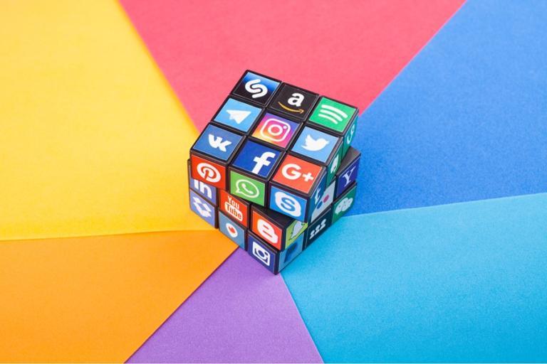 Empresas usam Tik Tok, WhatsApp e outras redes sociais para recrutar: como se preparar?