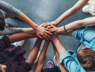 Como o trabalho voluntário pode impactar a carreira profissional
