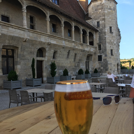 A quick drink by Nerac Chateau