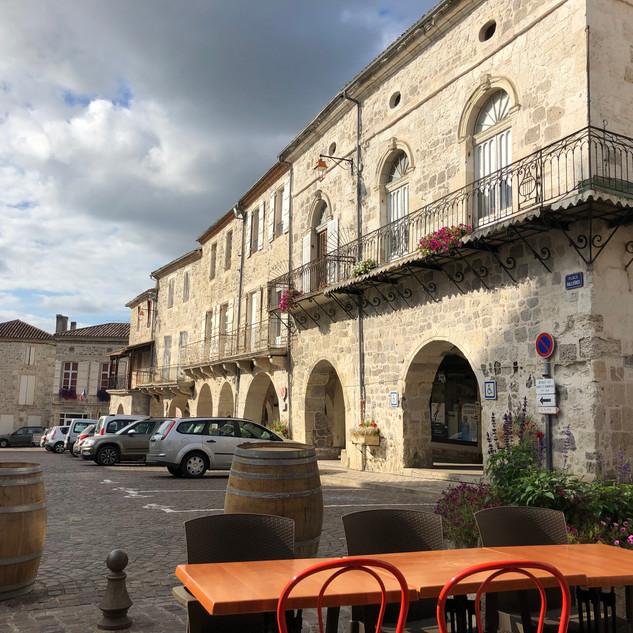 Mezin Main square