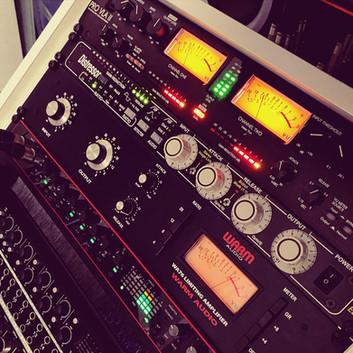 Mixdown mit analogen Geräten