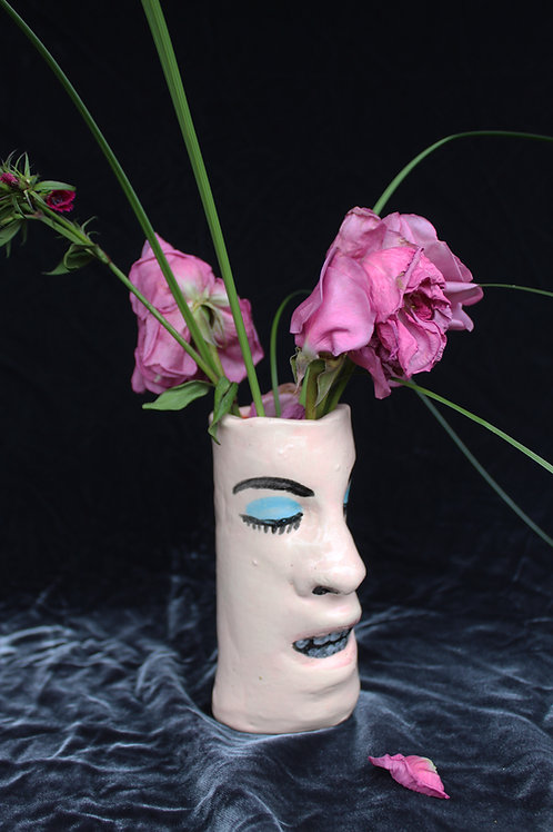 Vase Face Blue Eye Shadow, Neutral Lip
