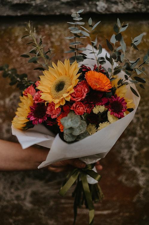 Medium Handheld Bouquet