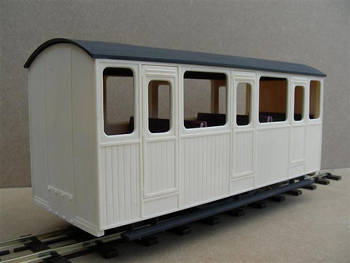 Classic Standard Four Wheel Coach