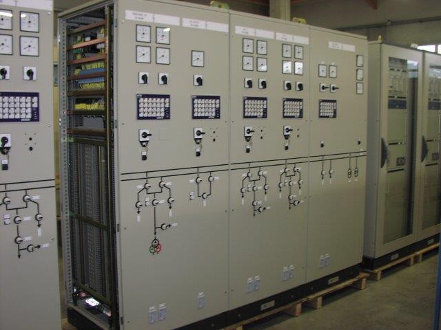Fabrication armoires électriques | COMATEL