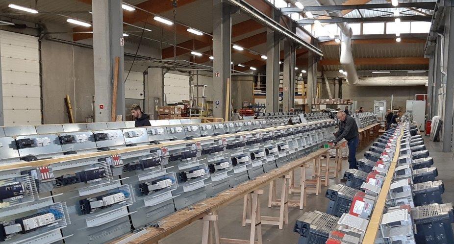 Câblage platines en grande série | COMATEL