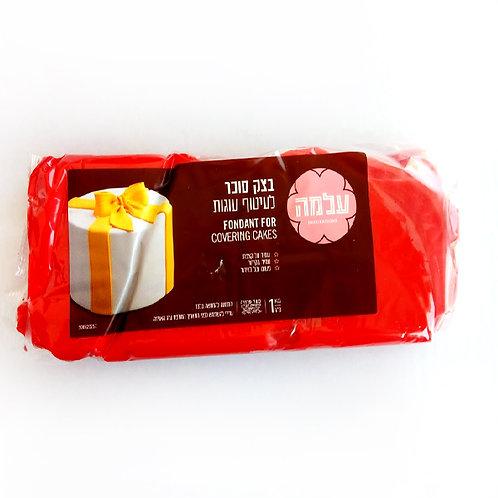 בצק סוכר אדום
