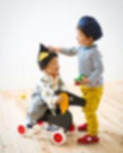 弟の頭に有るのは飾りですよー_ボタンじゃないですよー笑__#母の手作り帽子_#す