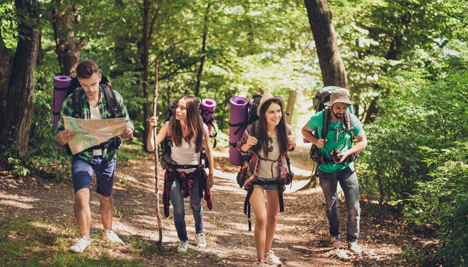 מחנות גיבוש לנוער | Camps de jeunesse | Youth recreation
