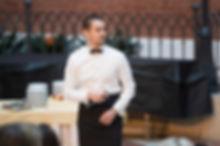 Три поющие официанта