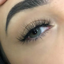 Hybrid Eyelash extensions bristol