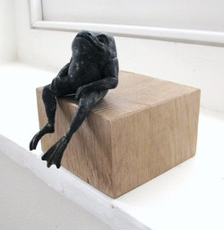 Seated Frog in Bronze