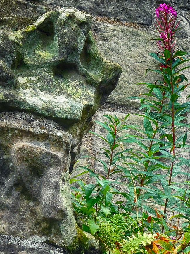 stone flowers.jpg