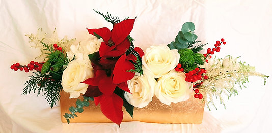 Metallic Runner Holiday Centerpiece