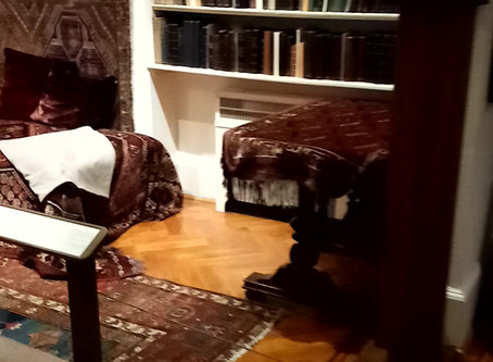 Sigmund Freud's Famous Psychoanalytic Couch