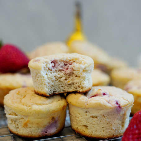 STRAWBERRY BANANA PROTEIN MUFFINS
