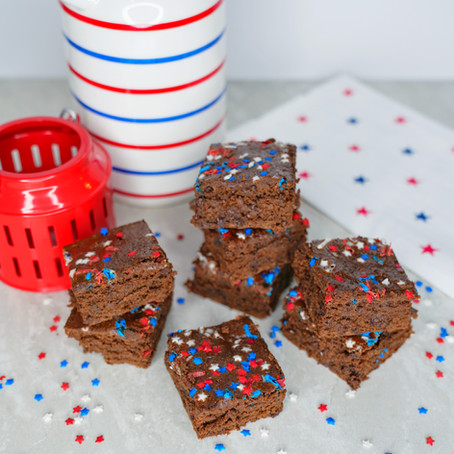 4TH OF JULY BROWNIES (KODIAK CAKES)