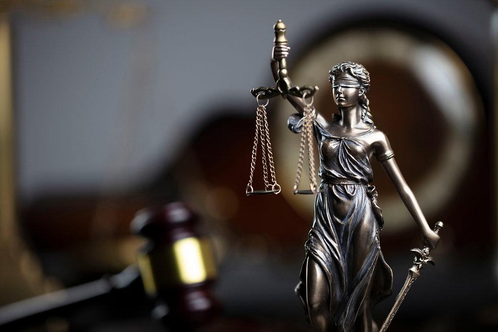 Un-tentativo-di-giustizia-transizionale-