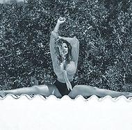 Samantha Kara Splits.jpg