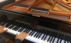 Želite da naučite da svirate klavir?