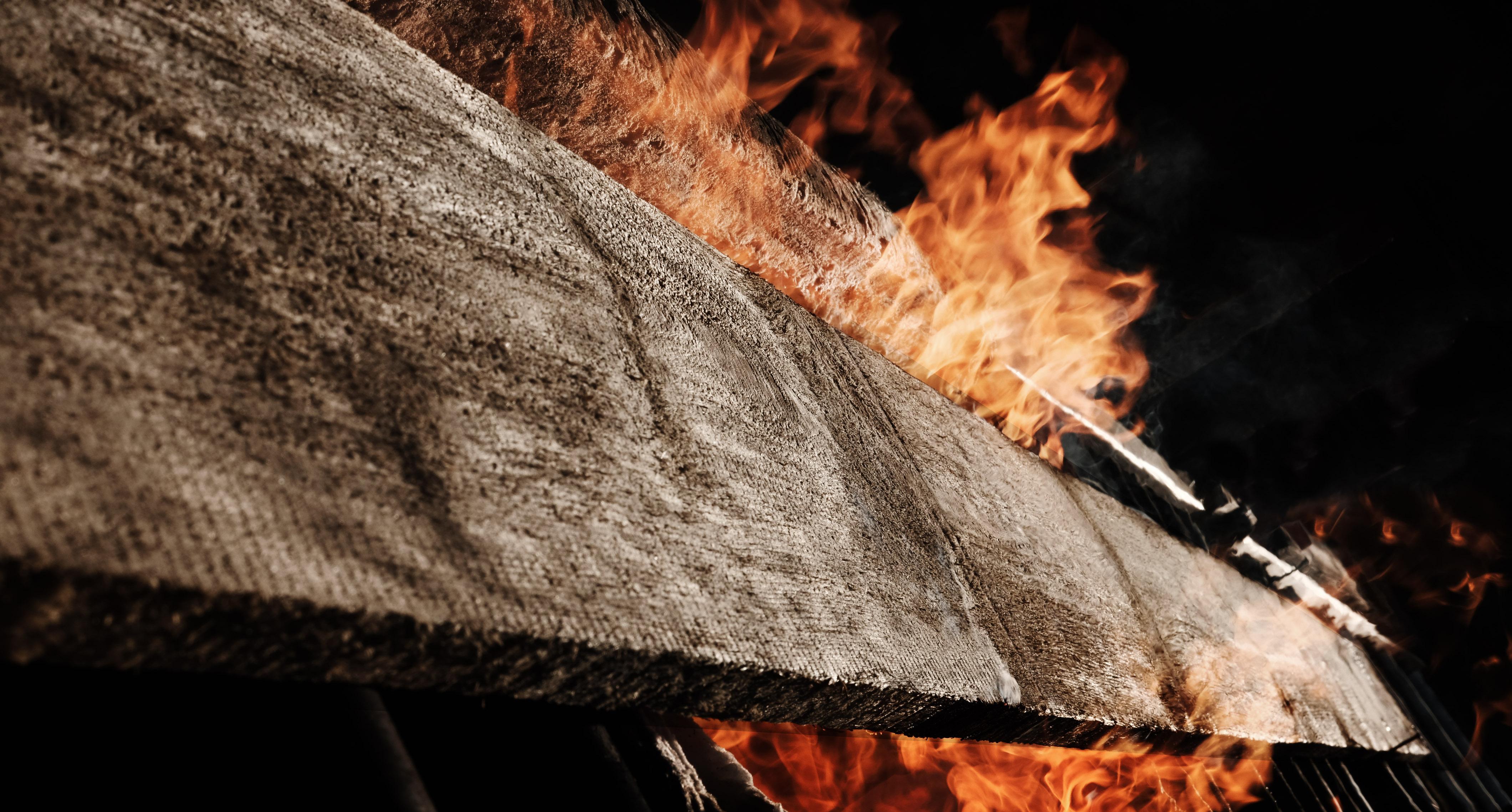 burning timber yakisugi technique shou sugi ban rauchholz